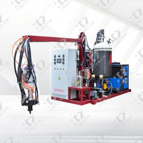 Three-component polyurethane low-pressure foaming machine